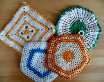 Vintage 1950 4 Piece Lot of Crocheted Potholders