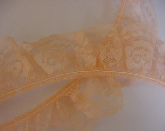 5 Yards Beautiful Peach Lace, Ruffled/Gathered, Scalloped Edges, NEW, Sewing, Crafts, Doll Clothes, Lot 405