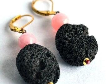 no.PE012_16. Pink Jade / Lava Rock / Brass Leverback earrings