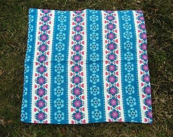 Vintage Pillow Cover, Mid Century Flowers Hearts Pillowcase, Retro Cotton Floral Blue Pillow Cover, Vintage 1970s Funky Floral Pillowcase