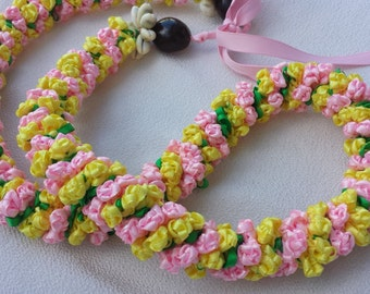 Mini rose hawaiian lei