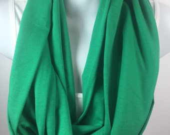Kelly green knit infinity scarf