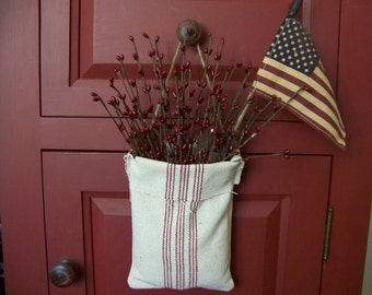 Primitive Patriotic Burgundy Pip Berry And Flag Pouch Hanger