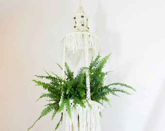 Vintage Makramee Plant Hanger, white with fringes and wooden beads