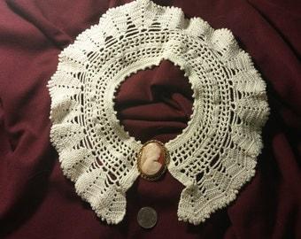 Vintage Lace Collar with Cameo