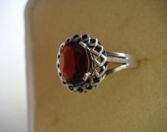 Silver Ring w Garnet Stone