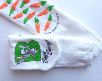 NOS Bugs Bunny socks/ 1997/ warner bros/ socks with grippers/ carrot socks