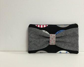 Grey Linen Bow Zipper Pouch Black Canvas Circle Print