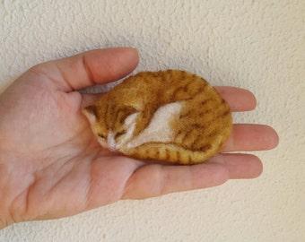 Felted Brooch, Animal Pin, Cat