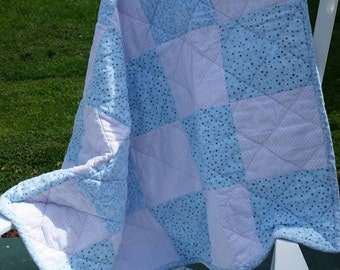 Beautiful flannel patchwork quilt in pastels, soft and snuggly patchwork quilt perfect for family or baby