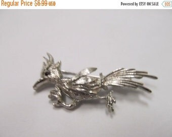 ON SALE Vintage Silver Tone Bird Pin Item K # 1457