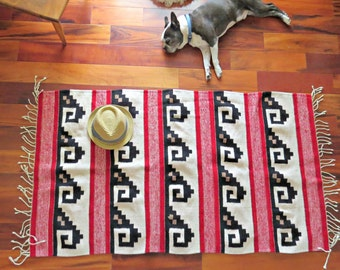 Vintage Mexican wool Rug.  Wave pattern wool rug. Handmade woven rug.  3x5 wool rug. oaxaca Zapotec. Red, Black and White rug. |The Curious