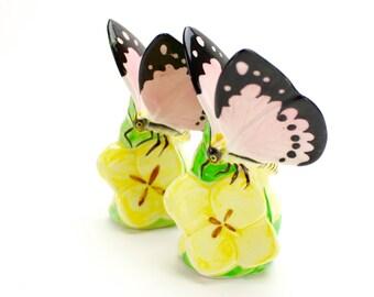 Vintage Butterfly Salt Pepper Shakers, Butterflies on Flowers Shakers, Ceramic Butterfly, Flower Shakers, Spring, Pink Butterflies, Epsteam