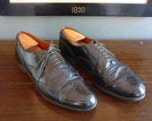 Vintage 1950s / 1960s Royal Windsor by GRENSON Longwing Wing Tip Balmoral Oxford Dress Shoes US 12 D. Made in England.