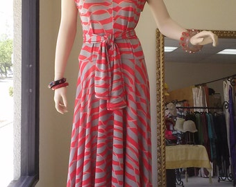 The 40's dress in slinky rayon jersey