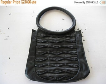 ON SALE vintage. PURSE. handbag. Leather. eberle. Black. 1980s.