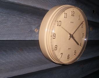 Vintage Metamac wall clock