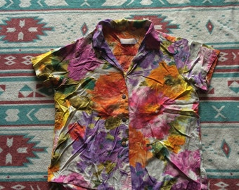 Vintage Floral Style Button Up Shirt