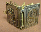 Antique french  Religious Catholic Book Locket  Way of cross  Collectible old Pendant Charm 6/av
