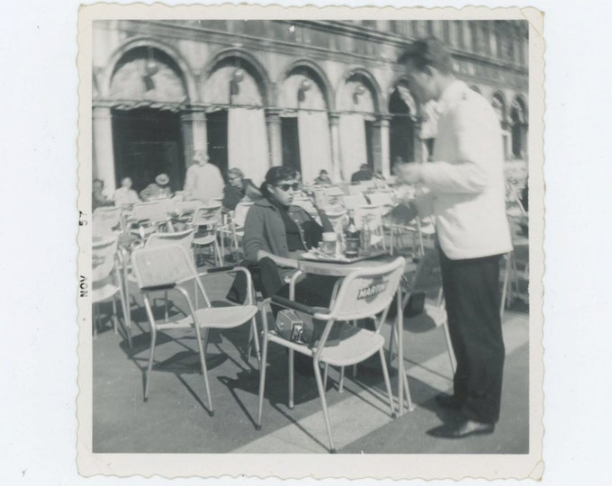 Sidewalk Cafe, Venice, 1957: Vintage Snapshot Photo (67484)