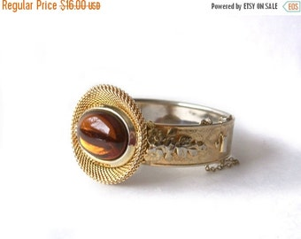 Vintage Clamper Bangle Bracelet Topaz Glass Cabochon Gold Tone Vintage
