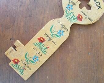 Kitsch Key Rack Vintage Key Shaped Holder