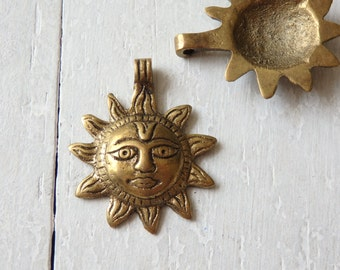 Nepalese brass sun pendant - ONE, brass pendant from Nepal, brass pendant with fixed bail, ethnic brass pendant, 30mm Nepali sun pendant