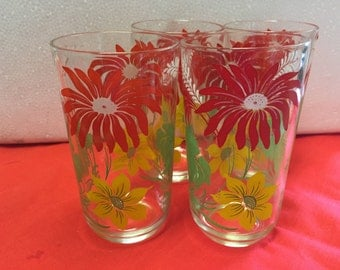 Vintage  Set of 4 drinking glasses