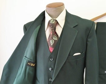 "1970s 3 piece Green Mens Suit Disco Era Vintage Dark Green Polyester Blazer, Vest & Pants / Trousers by Mr. ""10"" - Size 42 (LARGE)"