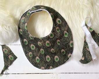 "Reversible bib ""The Classic"" in Hera Liberty fabric"