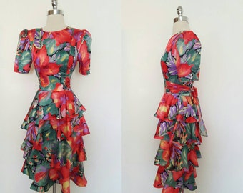 1980s Vintage Riot of Flowers Multi Tiered Dress Size Small
