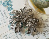 Romantic vintage rhinestone crystals brooch pin jewlery accessory