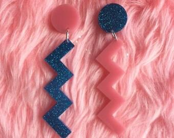 mega zig zag earrings glitter blue & pink