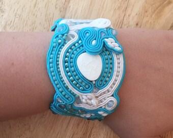 Handmade soutache bracelet. Vegan friendly.