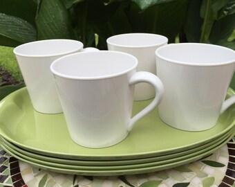 Vintage Melamine Dinnerware Set Of 4 Large Avocado Green Plates And White Mugs Vintage Lennoxware Plastic
