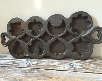 Vintage Cast Iron Mold, Cookie, Biscuits, Made in Taiwan Christmas Tree Star Moon Club Spade Rooster House Flower