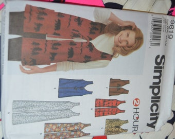 Simplicity 9819 Misses Lined and unlined Vests Sewing Pattern - UNCUT - Sizes Xs S M