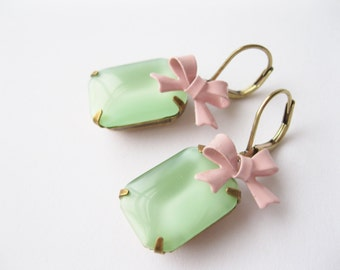 Retro Earrings Green Moonglow Blush Bows Rockabilly Jewelry Vintage Wedding Green Bridesmaid Earrings Prom Jewelry Light Green Spring