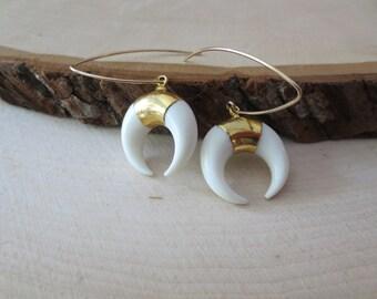 White crescent earrings, double horn earrings, horn earrings, crescent earrings, white horn earrings, white crescent horn gold earrings