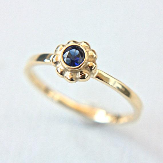blauer saphir verlobungsring saphir 14k gelb gold ring. Black Bedroom Furniture Sets. Home Design Ideas