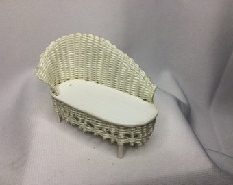 "Dollhouse Miniature 1/2"" Scale White Wicker Fainting Couch by Peggy Taylor NS"