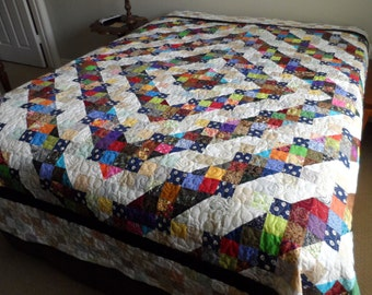 Queen bed quilt, traditional patchwork quilt, wedding quilt, anniversary quilt, quilted bedding, quilted bedspread, quiltsyhandmade