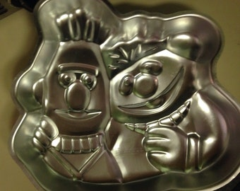 Bert and Ernie Vintage Wilton Cake Pan