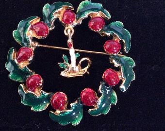 Wreath brooch 1-3/4 in