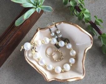 MEDIUM jewelry dish / engagement ring dish / wedding ring dish / bride gift / wedding gift /ring dish