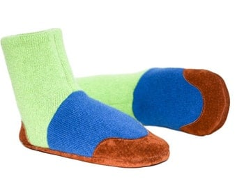 Kids Cashmere Shoes, Children Cashmere Slippers, Youth Cashmere Mukluks. Size: USA kids 7.5 to youth 2.5