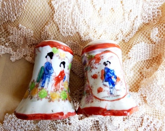 Vintage 1930s circa, Salt and Pepper Shakers, Geisha Girl Porcelain with Red Trim, Made in Japan