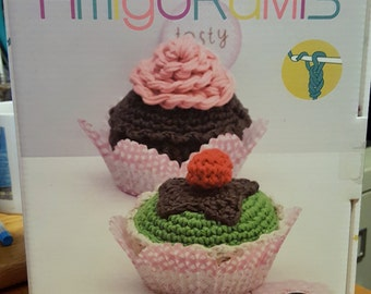 DMC AMIGURUMIS Crochet Cupcakes Kit CR026K - New