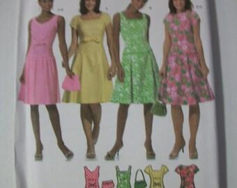 Simplicity 4675 Misses/Miss Petite (Size HH 6-8-10-12) & (Size RR 14-16-18-20)