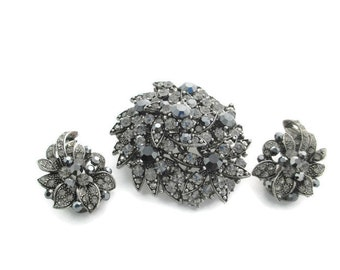 Vintage Black Rhinestone Gunmetal Brooch Pendant   & Clip Earring Set